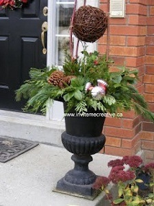 Grapevine Ball Winter Container